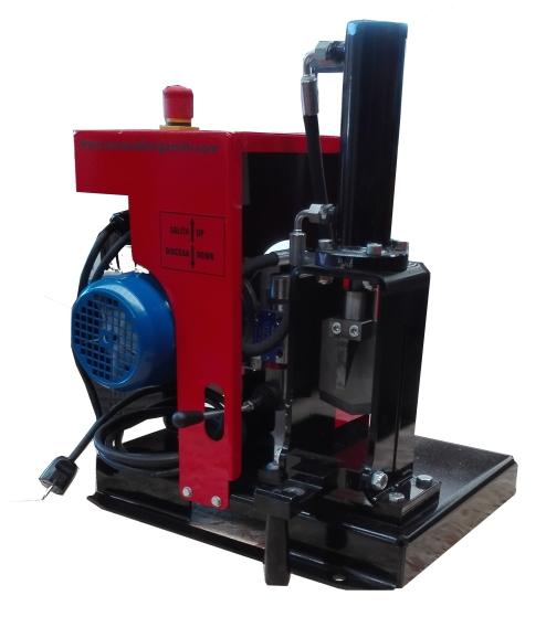 machine recycler les moteurs lectriques torneria bergamini snc carpenedolo brescia test. Black Bedroom Furniture Sets. Home Design Ideas